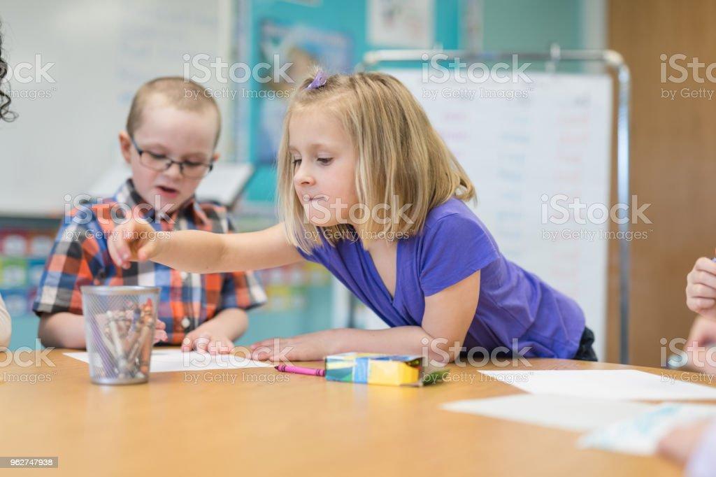 Elementary school classroom - Foto stock royalty-free di Allievo