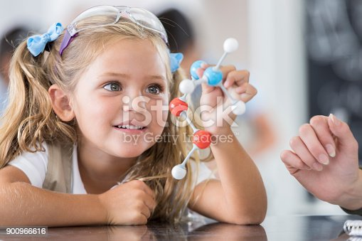 istock Elementary school student in science class 900966616