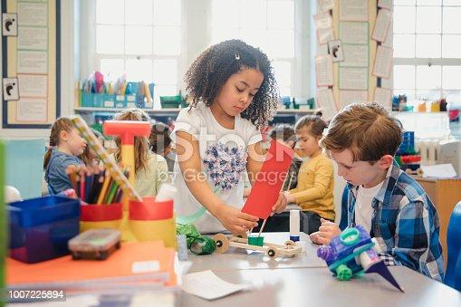istock Elementary Schoolchildren Build in Class 1007225894