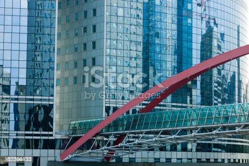 889637894 istock photo Elevated Pedestrian Walkway in La Defense, Paris Financial District 182366133
