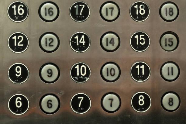 aufzugstasten von den etagen 6 bis 18 - number 13 stock-fotos und bilder
