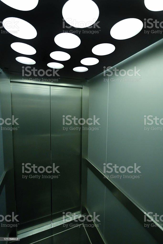 Elevator (XL – Foto