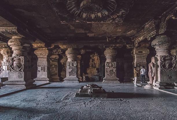 höhlen von ellora - größte städte der welt stock-fotos und bilder