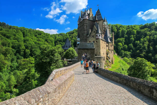 Burg Eltz in Rheinland-Pfalz, Deutschland. – Foto
