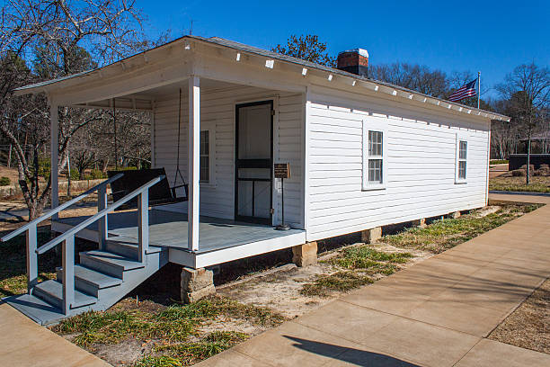 elvis presley birthplace - tupelo - elvis stock photos and pictures