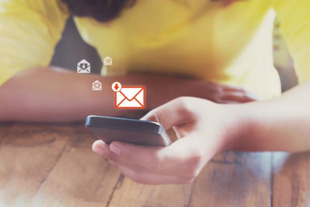 E-Mail-Marketing und Newsletter-Konzept – Foto