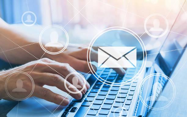 концепция маркетинга по электронной почте - сообщение стоковые фото и изображения