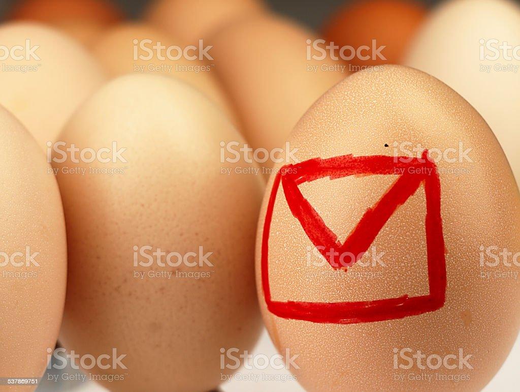 symbol e-mail dotyczący jaj. – zdjęcie