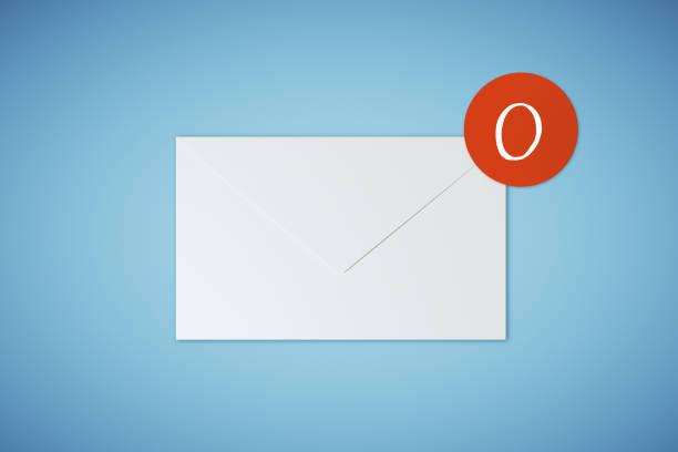 0 e-Mails auf blauem Hintergrund – Foto