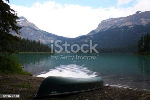 istock Emarald Lake 482077813