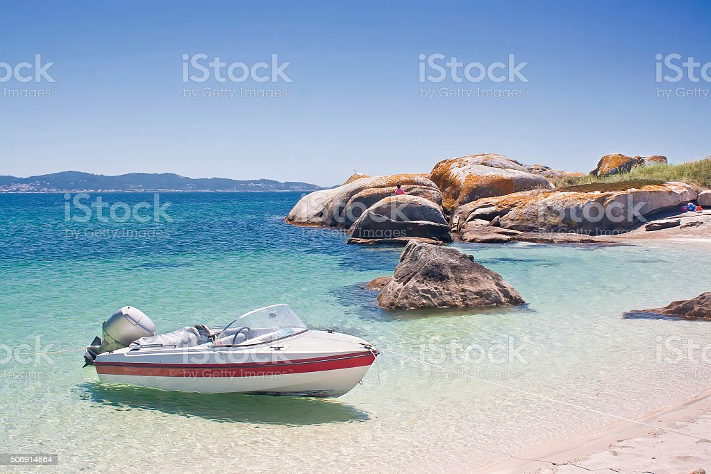 Embarcacion en la Isla de El Areoso - foto de stock