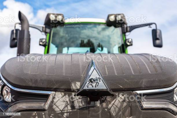 Emblem of agricultural tractor fendt 933 vario picture id1185656028?b=1&k=6&m=1185656028&s=612x612&h=kpuh92nraqhm1quqivyfp8jaic3izwhed fgi0iccms=