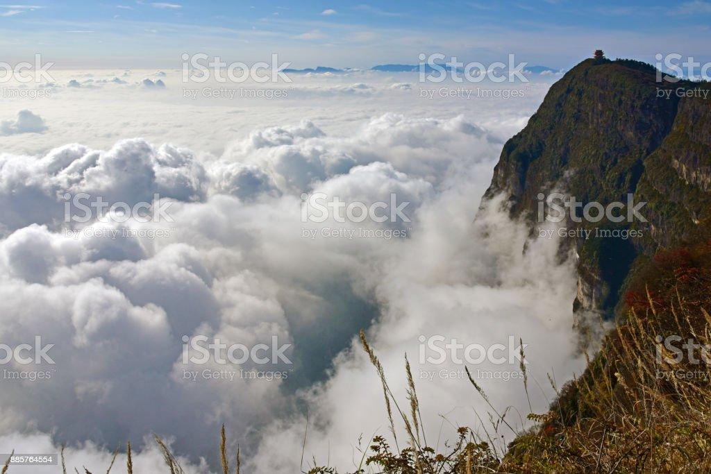 EMEI mar de nubes - foto de stock