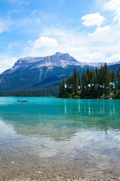 Emerald lake in Yoho national park Canada, Rocky mountains emerald lake stock pictures, royalty-free photos & images