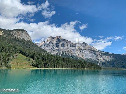 istock Emerald Lake Mountain Backdrop 1342860311