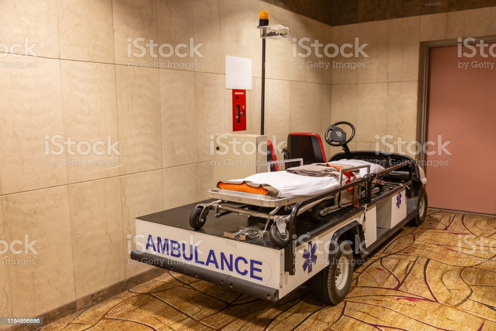 emergency ambulance electric car with stretcher for injured in...