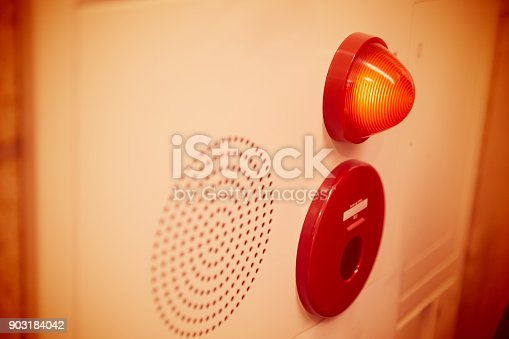 istock Emergency light wall panel and alarm speaker sound in the office building. 903184042