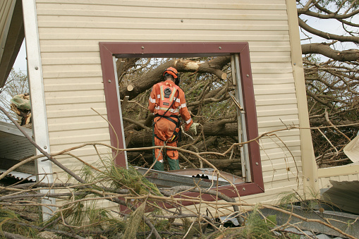 istock emergency repair 172655846