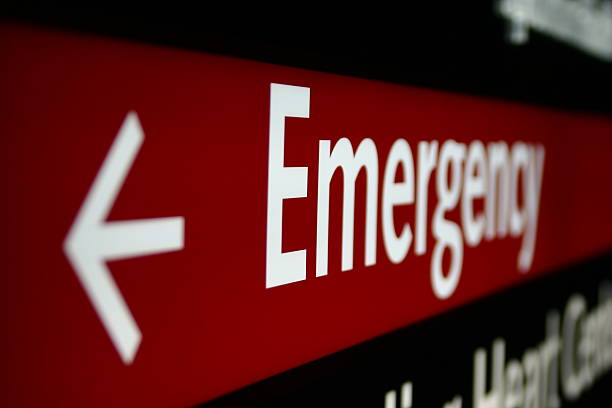Emergency Sign  emergency sign stock pictures, royalty-free photos & images
