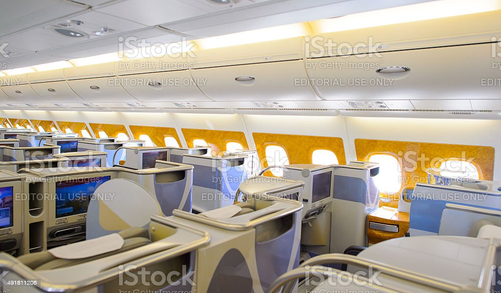 Un Airbus A380 De Emirates à Lintérieur De La Classe Affaires ...