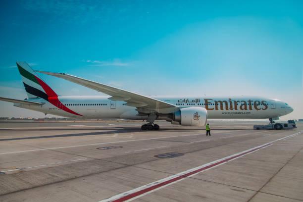 Emirates Boeing 777 am 10. November 2012 am Flughafen Dubai in Dubai, VAE. – Foto