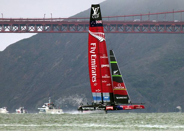 Emirates-New Zealand super Katamaran – Foto