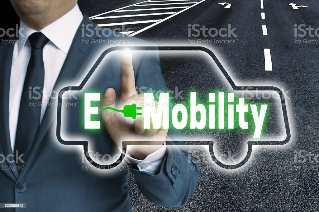 E-Mobility-Touchscreen wird von Mann-Konzept betrieben. – Foto