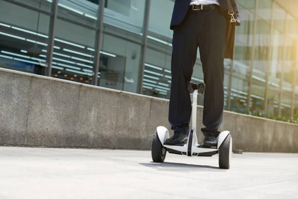 Mitarbeiter am hoverboard – Foto