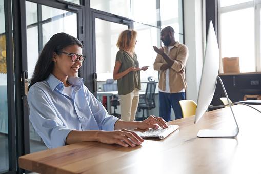 Employee speaking with customer via social network