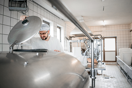 employee working in raw milk sector