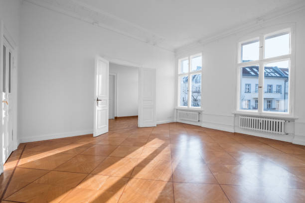 empty apartment room - flat for rent with wooden floor - cue ball stock pictures, royalty-free photos & images