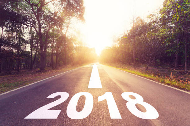 empty asphalt road and new year 2018 goals concept. - images no copyright foto e immagini stock