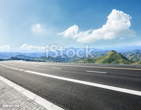 istock empty asphalt road in the mountains 898467458