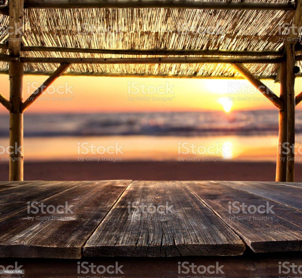vide bar table sur la plage - Photo
