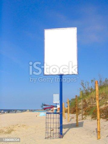 istock empty beach advert 139688204