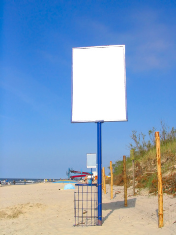 istock empty beach advert 139688204