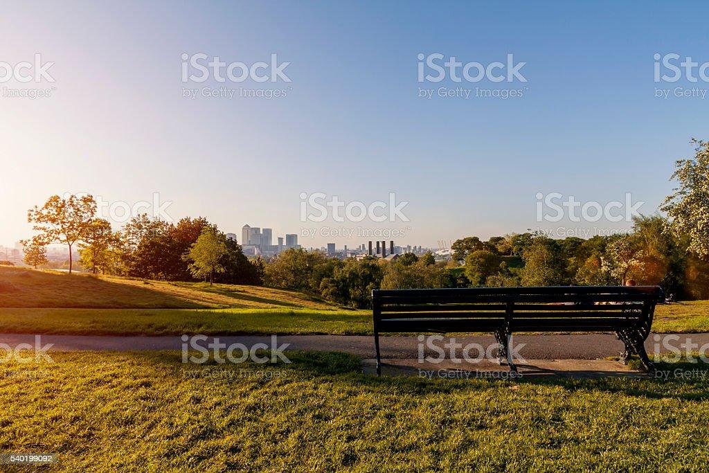 Vide banc de parc de Greenwich au coucher de soleil - Photo