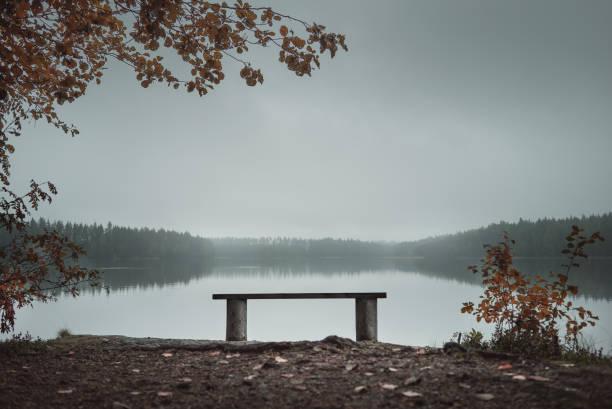 Empty bench in the park near the lake autumn theme picture id1033830062?b=1&k=6&m=1033830062&s=612x612&w=0&h=3v0wmubqktljl6 0s3dchizlid jgmw xkipnhsyxcu=