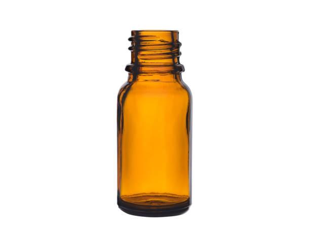 leere flasche für drogen aus braunglas - braunglasflaschen stock-fotos und bilder