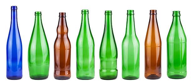 leere flaschen kollektion - recycelte weinflaschen stock-fotos und bilder
