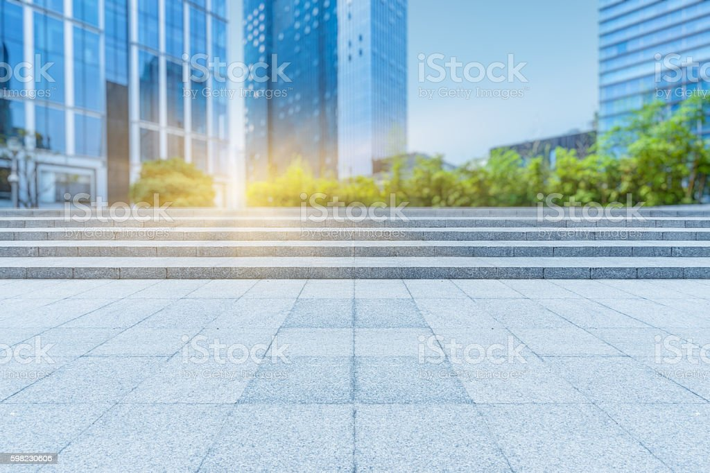 Empty brick floor with modern building foto royalty-free
