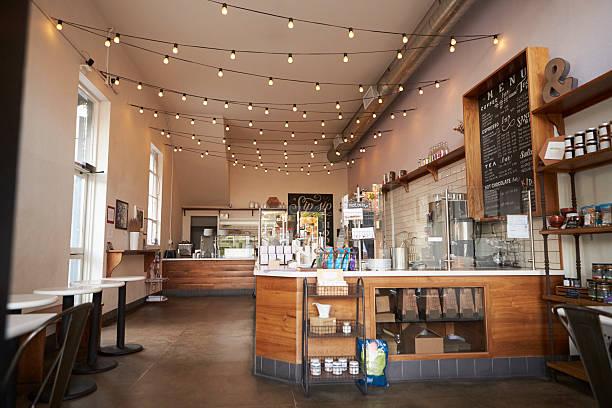 leeres café oder bar-interieur, tagsüber - cafe stock-fotos und bilder