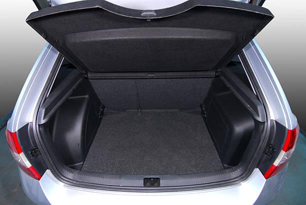 Leeres Auto-Kofferraum – Foto