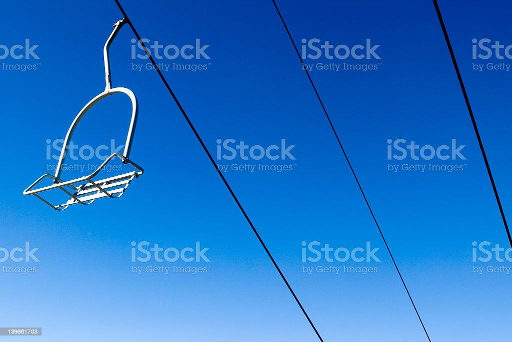 Sedie Blu Elettrico : Sedia vuota con sfondo blu elettrico fotografie stock e altre