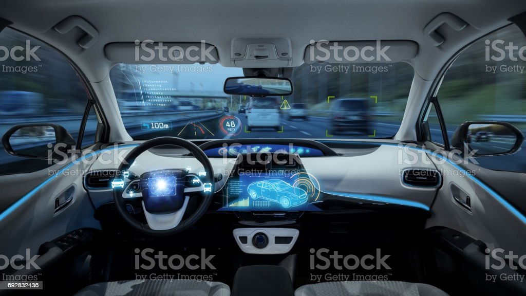 empty cockpit of vehicle, HUD(Head Up Display) and digital speedometer, autonomous car - foto stock