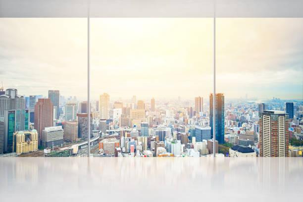 leeren Sie konkrete Boden und Fenster mit Japan Skyline für die Anzeige oder mock-up – Foto