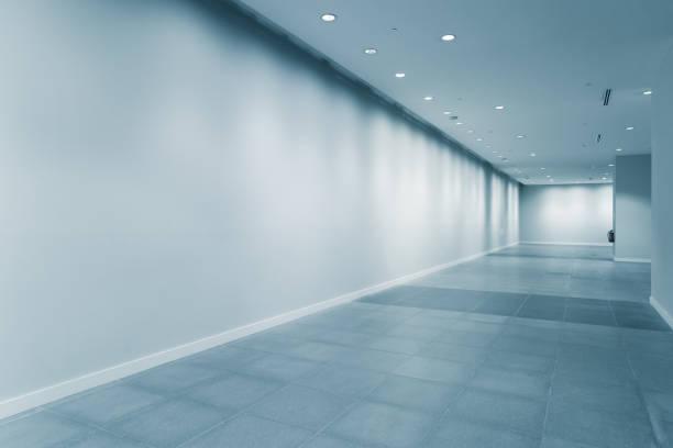 leerer Korridor im modernen Büro – Foto