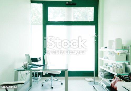 894029864istockphoto Empty Doctor's Room 498429194