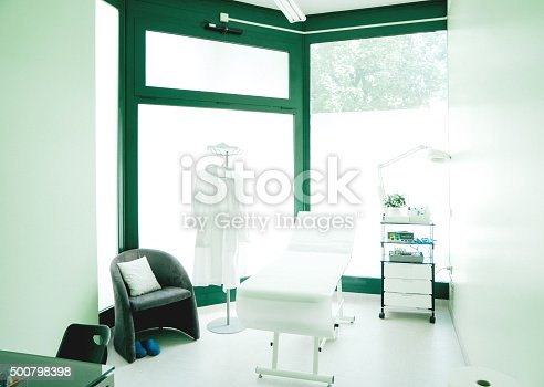 894029864istockphoto Empty Doctor's Room 500798398