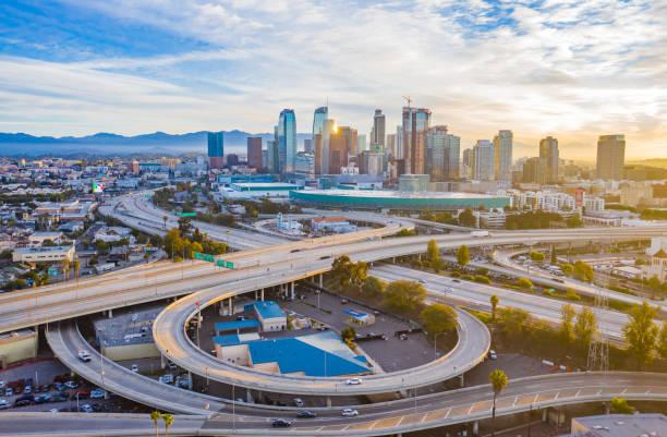empty freeway streets in los angeles - los angeles стоковые фото и изображения